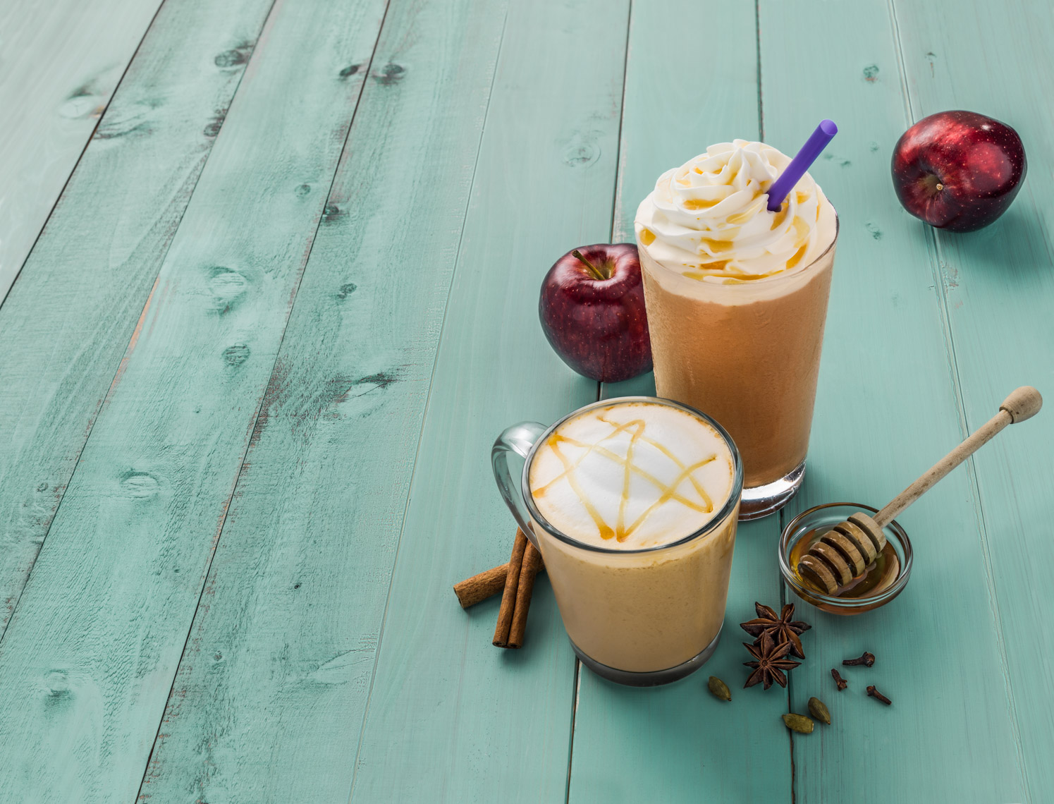 Los Angeles Photographer | Dana Hursey Photography | Beverage Photography | Cinnamon Apple Ice Blended and Chai Latte