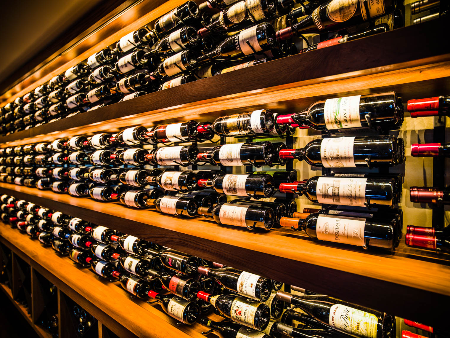 Los Angeles Photographer | Dana Hursey Photography | Hospitality Photography | Wine Room